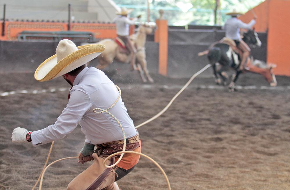 Juan Pablo Franco derribó dos manganas a pie para la cuenta de los Charros de La Laguna